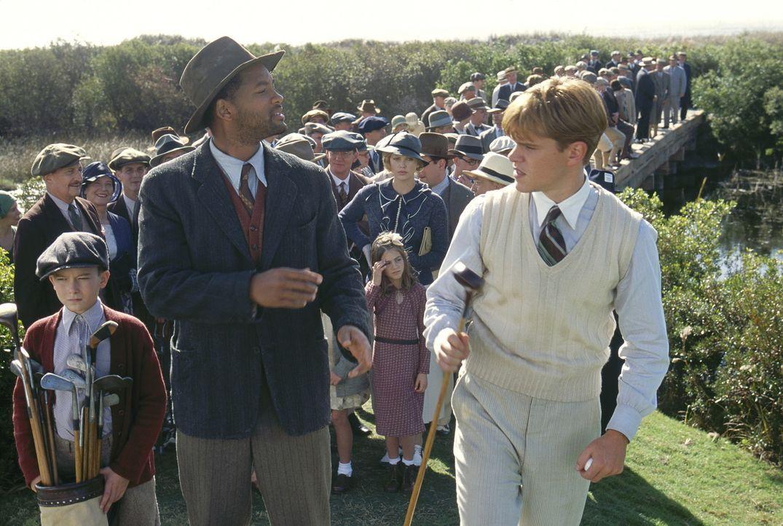 Mit der Hilfe von Bagger Vance (Will Smith, l.) schafft es Rannulph Junuh (Matt Damon, r.), wieder zu seiner alten Stärke zu finden ... - Bildquelle: 20th Century Fox Film Corporation