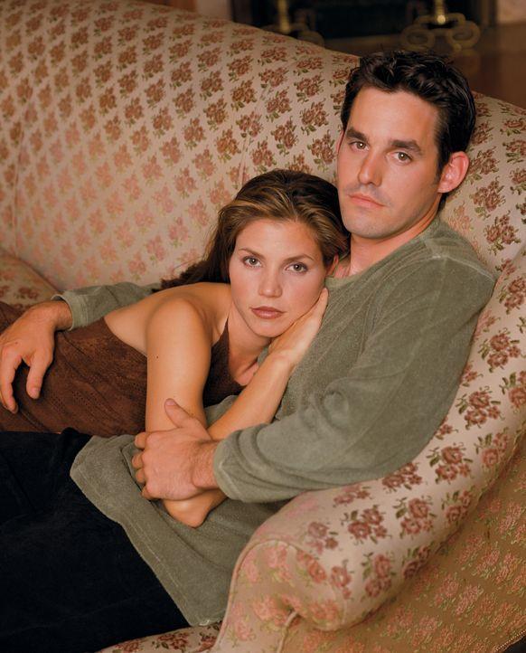 (2. Staffel) - Auch Vampirjäger brauchen mal eine Pause: Cordelia (Charisma Carpenter, l.) und Xander (Nicholas Brendon, r.) - Bildquelle: (1998) Twentieth Century Fox Film Corporation.
