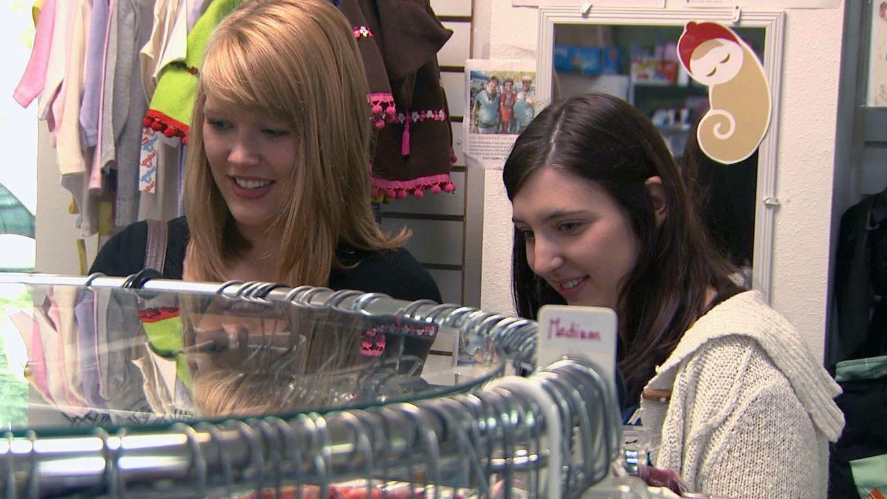 Für die 22-jährige Sydney (r.) steht fest, dass sie ihr Kind zur Adoption freigeben wird. - Bildquelle: Universal Pictures