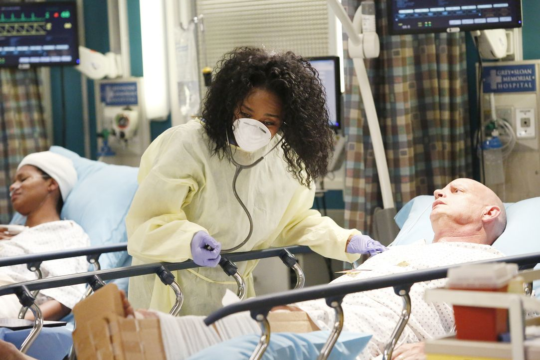 Nach einer Explosion in einer großen Shopping Mall kämpft Stephanie (Jerrika Hinton) ums Überleben ihres Patienten ... - Bildquelle: ABC Studios