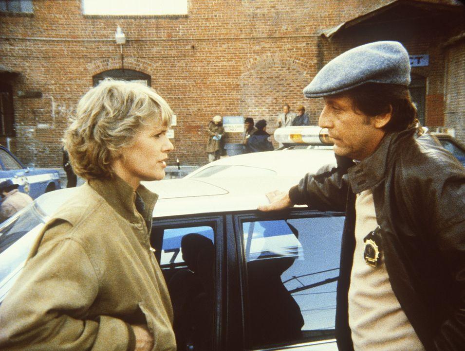 Traurig muss Cagney (Sharon Gless, l.) feststellen, dass ihr Freund Dory (Barry Primus) noch immer nicht von den Drogen abgekommen ist. - Bildquelle: ORION PICTURES CORPORATION. ALL RIGHTS RESERVED.