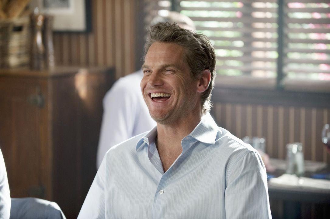 Während Travis immer noch unter der Zurückweisung von Kirsten leidet, muss sich Bobby (Brian Van Holt) mit dem Verkauf seiner Geschäftsidee ausei... - Bildquelle: 2010 ABC INC.