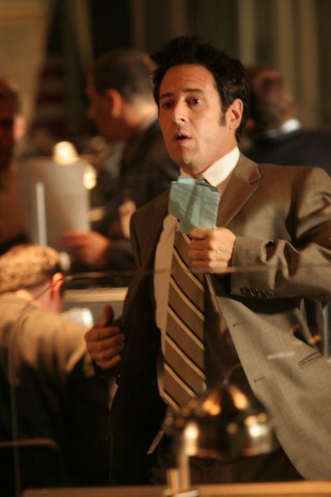 Don (Rob Morrow) versucht einen kniffligen Fall zu lösen ... - Bildquelle: Paramount Network Television
