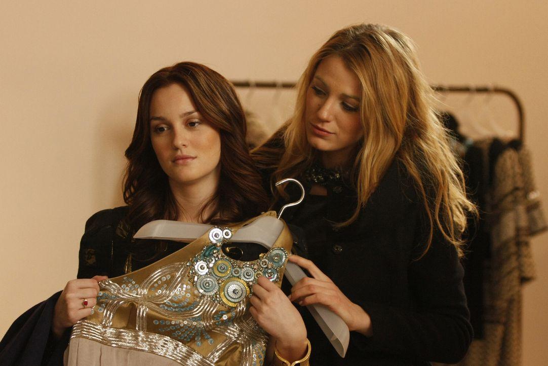 Serena (Blake Lively, r.) meint, dass Blair (Leighton Meester, l.) ihren Freund überzeugen muss, dass er nicht so ist wie sein Vater. - Bildquelle: Warner Brothers