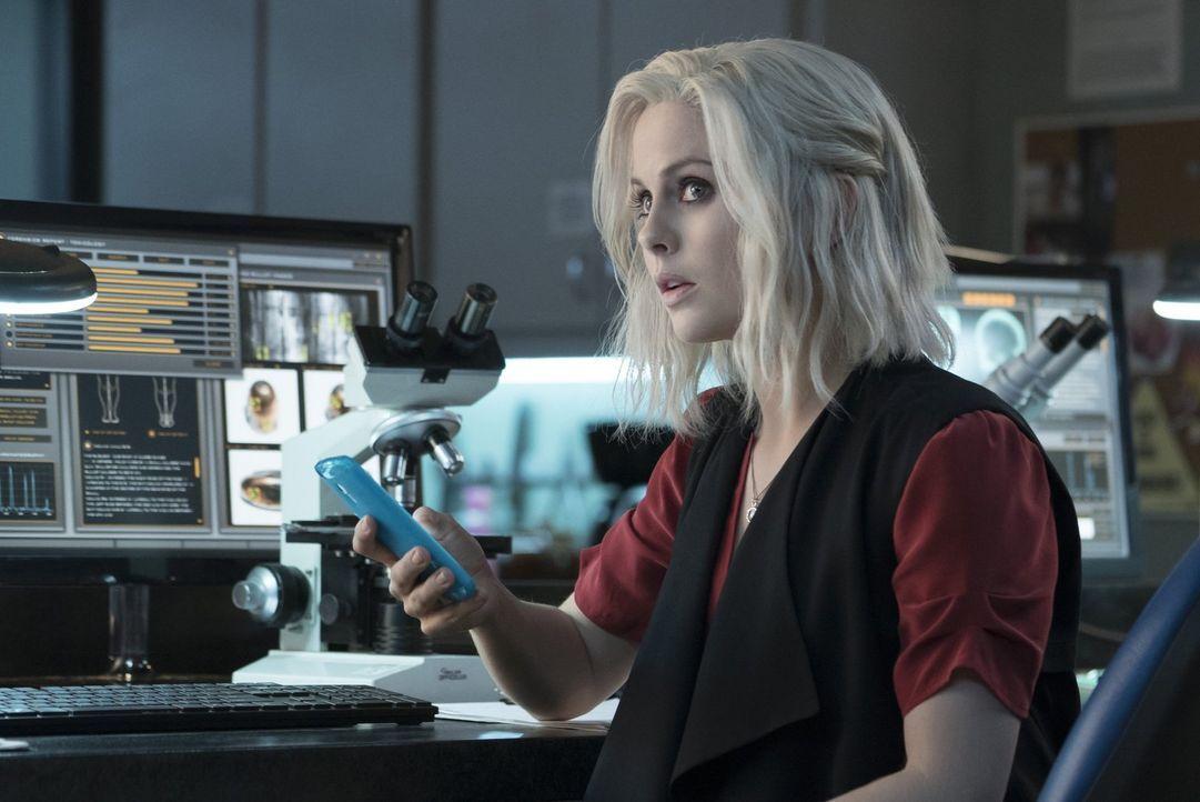 Eigentlich lief es zwischen Liv (Rose McIver) und Major endlich wieder richtig gut, doch seine Arbeit als Zombiejäger und der Einfluss eines Hirns a... - Bildquelle: 2014 Warner Brothers
