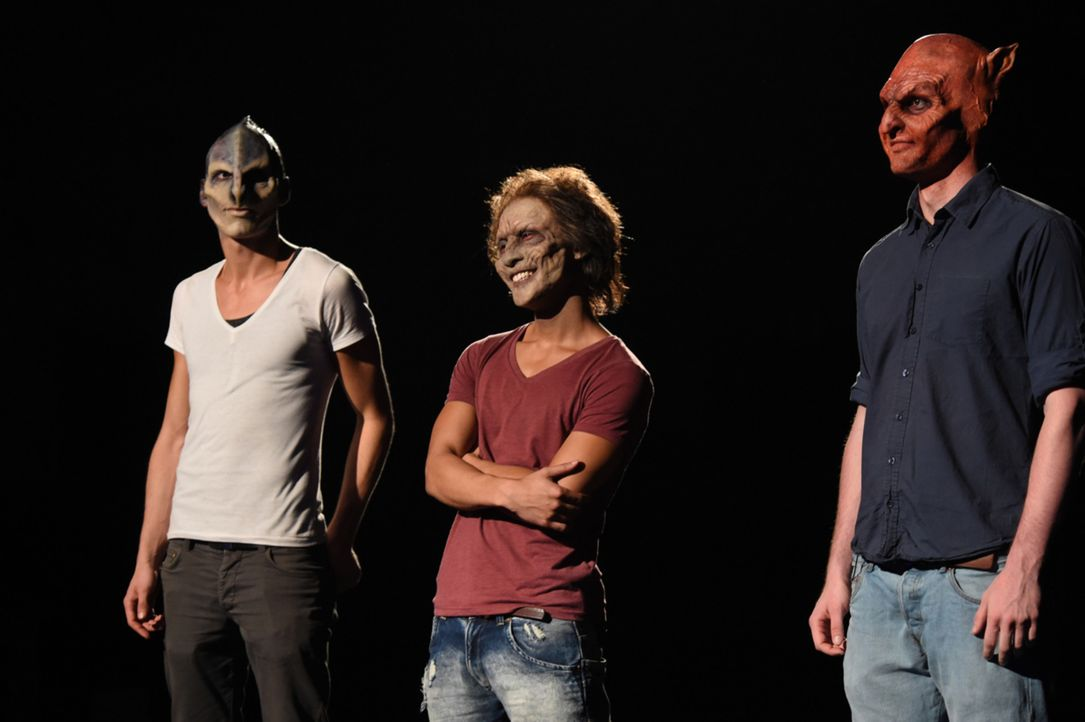 Diese drei Männer stellen sich der Entscheidung: Alien Willie (l.), Zombie Hai (M.) und Teufel Wilhelm (r.) ... - Bildquelle: Andre Kowalski sixx