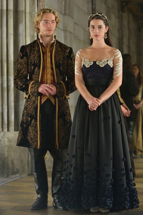 Als Francis (Toby Regbo, l.) sie zum wiederholten Male hintergeht, ist Mary (Adelaide Kane, r.) sich nicht sicher, ob sie ihrem Ehemann noch vertrau... - Bildquelle: Ben Mark Holzberg 2014 The CW Network, LLC. All rights reserved.