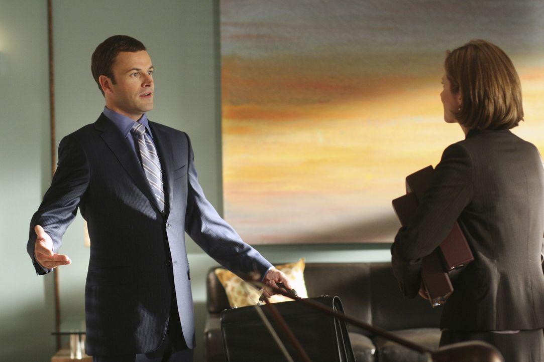 Eli (Jonny Lee Miller, l.) soll einen neuen Fall übernehmen. Der Anwalt kann die Bitte von Maggie Dekker (Julie Gonzalo, r.) jedoch nicht so einfach... - Bildquelle: Disney - ABC International Television