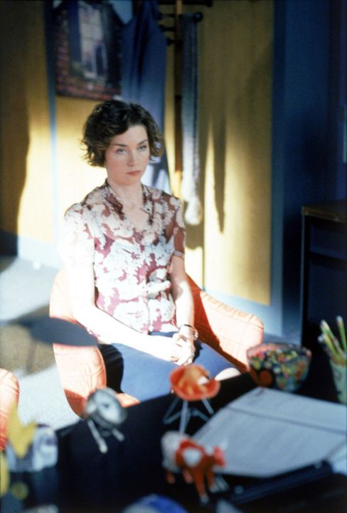 Durch die schlechte finanzielle Lage ist Ally gezwungen, Leute zu entlassen. Wird die Entlassung von Jenny (Julianne Nicholson) weitreichende Folgen... - Bildquelle: 2002 Twentieth Century Fox Film Corporation. All rights reserved.
