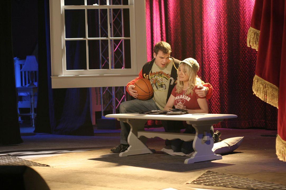 Kurz vor der Hochzeit veranstaltet Brooke einen Abend, an dem die Liebesgeschichte von Haley und Nathan erzählt wird ... - Bildquelle: Warner Bros. Pictures