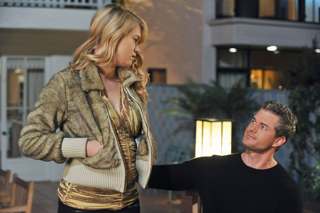 Mark (Eric Dane, r.) kommt mit seiner schwangeren Tochter Sloan (Leven Rambin, l.) aus Seattle nach L.A., um sie von Addison operieren zu lassen. Um... - Bildquelle: ABC Studios