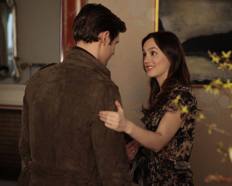 Was läuft zwischen Blair (Leighton Meester, r.) und Dan (Penn Badgley, l.)? - Bildquelle: Warner Bros. Television