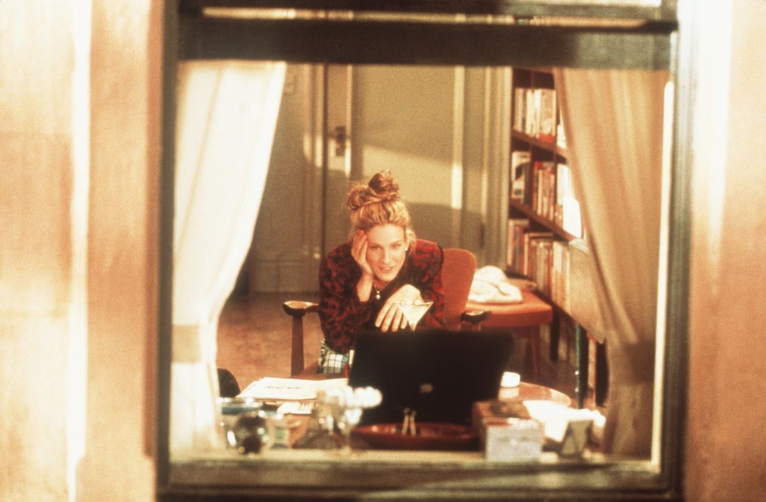 Carrie (Sarah Jessica Parker) fühlt sich von glücklich Liebenden umzingelt ... - Bildquelle: Paramount Pictures