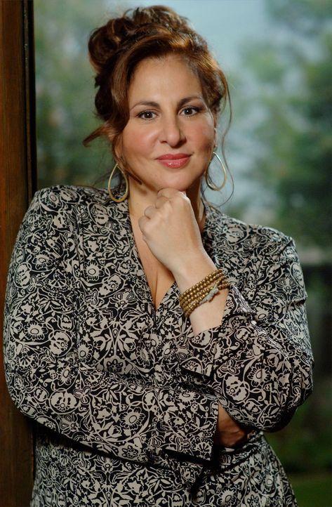Neue Abteilungsleiterin von Charlie: Dr. Mildred French (Kathy Najimy) ... - Bildquelle: Paramount Network Television