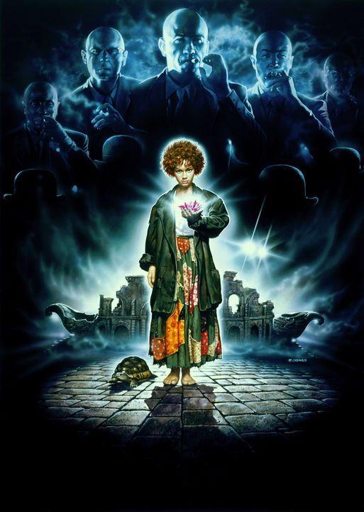 Mit Hilfe der Schildkröte Kassiopeia versucht die kleine Momo, die Stadt vor den unheimlichen 'Grauen Männern' zu schützen ... - Bildquelle: Tobis Filmkunst
