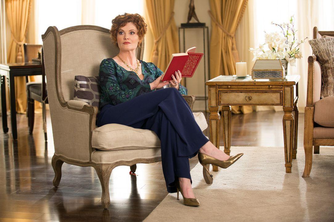 Evelyn (Rebecca Wisocky) macht Valentina unmissverständlich klar, dass sie nicht auf derselben Ebene stehen ... - Bildquelle: 2014 ABC Studios