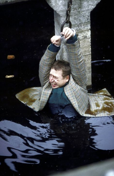 Jockel (Martin Semmelrogge) ist in Gefahr ... - Bildquelle: T. Landgräber ProSieben