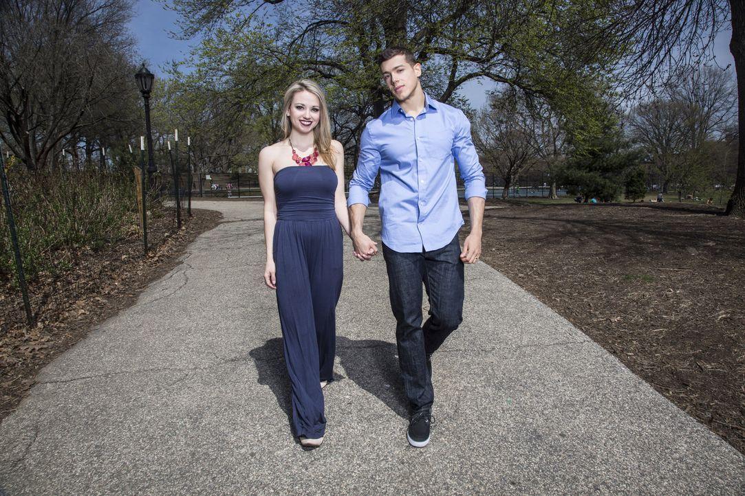 Obwohl Cortneys (l.) Eltern bei der Hochzeit nicht dabei sein wollen und Jasons (r.) Mutter nicht dabei sein kann, hoffen beide, die richtige Wahl g... - Bildquelle: A+E Networks