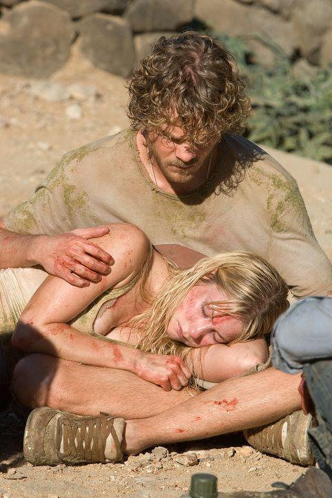 Eric (Shawn Ashmore, sitzend) und Stacy (Laura Ramsey, liegend) erleben einen nicht enden wollenden Albtraum aus Horror ... - Bildquelle: 2008 DreamWorks LLC. All Rights Reserved.l