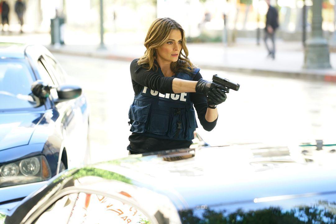 Das Mordopfer ist ein bekannter Anwalt von Unfallopfern, wie Kate (Stana Katic) erkennt. Bei der Festnahme eines Verdächtigen wird es brenzlig ... - Bildquelle: Richard Cartwright ABC Studios / Richard Cartwright