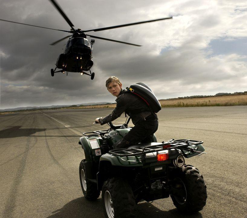 Im Visier eines eiskalten Gangsters: Alex Rider (Alex Pettyfer) ... - Bildquelle: Liam Daniel Samuelsons / IoM Film.