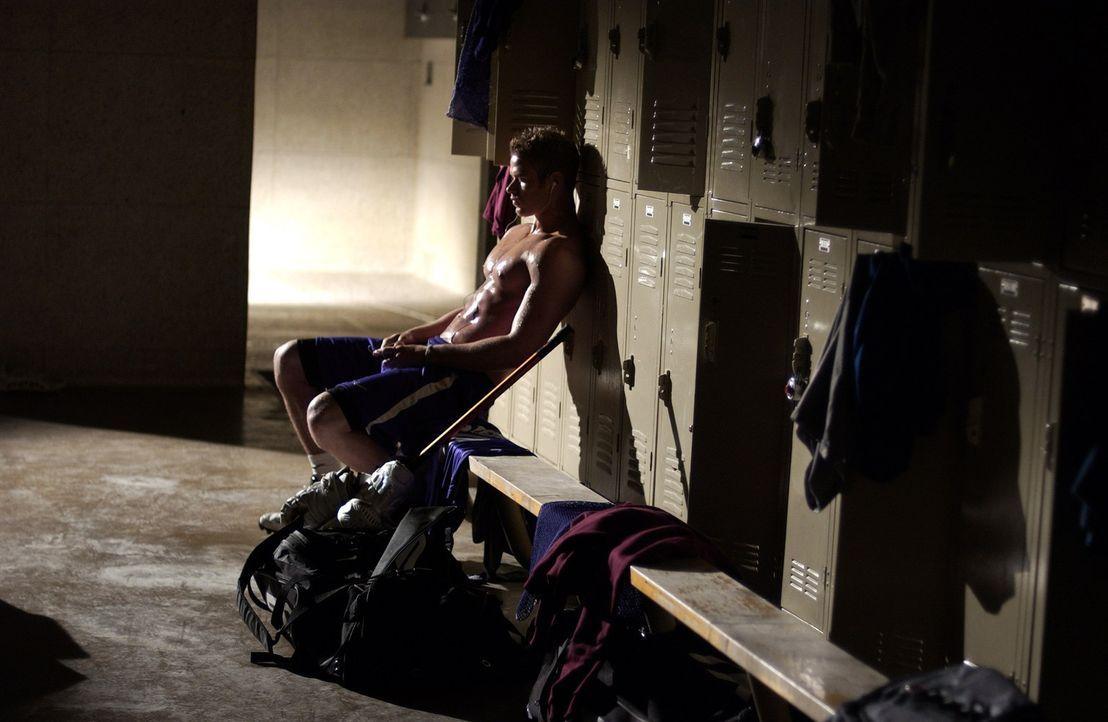 Nach dem Tod seines Vaters findet Conor (Kellan Lutz) nicht mehr zurück in den Alltag. Alles lässt ihn ausrasten, nichts macht ihm mehr Freude. Da s... - Bildquelle: 2014 Tiberius Film GmbH.
