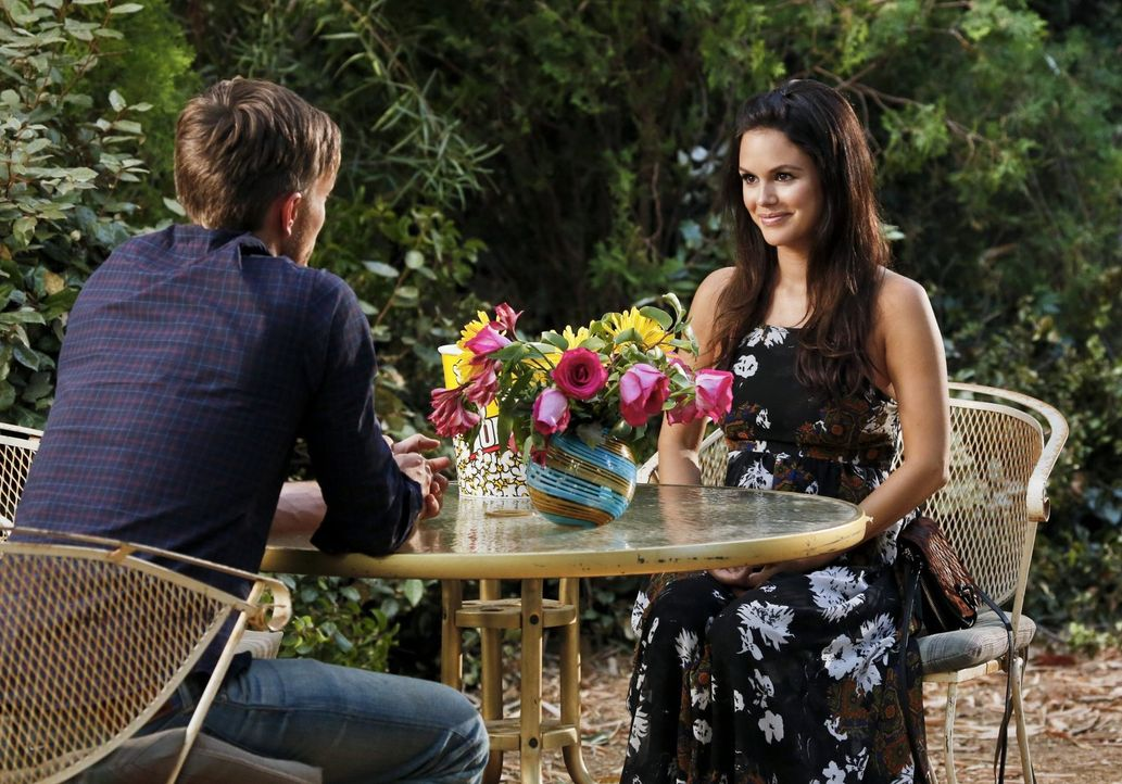 Die eh schon komplizierte Situation zwischen Wade (Wilson Bethel, l.) und Zoe (Rachel Bilson, r.) erreicht einen neuen Höhepunkt ... - Bildquelle: 2014 Warner Brothers