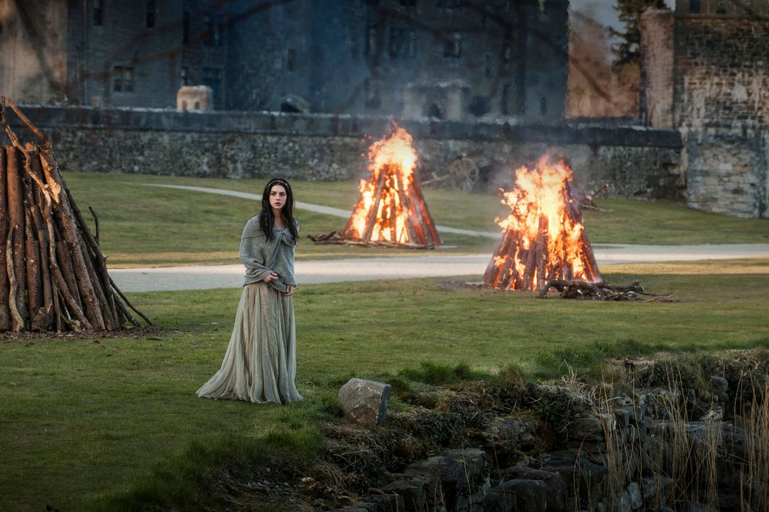 Alles ist neu, aufregend und auch ein wenig bedrohlich für sie: Mary (Adelaide Kane), die junge Königin von Schottland, bei ihrer Ankunft am französ... - Bildquelle: Joss Barratt 2013 The CW Network, LLC. All rights reserved.