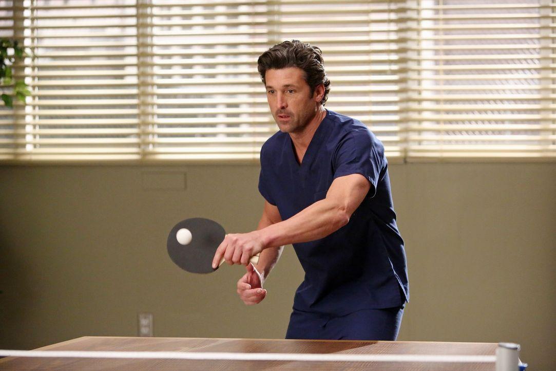 Wird von Callie zum Tischtennisspielen verpflichtete: Derek (Patrick Dempsey) ... - Bildquelle: ABC Studios