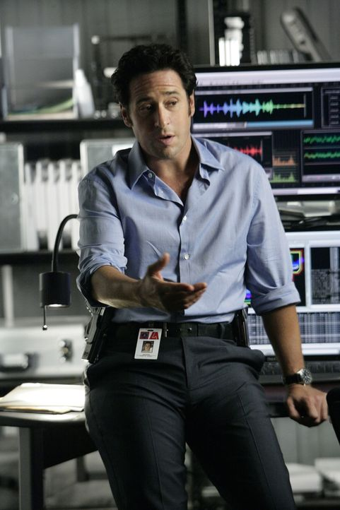 Arbeitet an einem neuen Fall: Don Eppes (Rob Morrow) ... - Bildquelle: Paramount Network Television