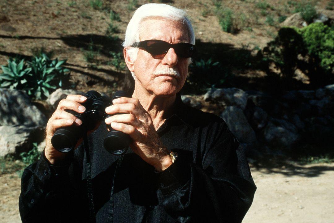 Der Mafiaboss Greg (Dick Van Dyke), der Mark zum Verwechseln ähnlich sieht, wird nach 20 Jahren aus dem Gefängnis entlassen und will wieder die Ma... - Bildquelle: Viacom