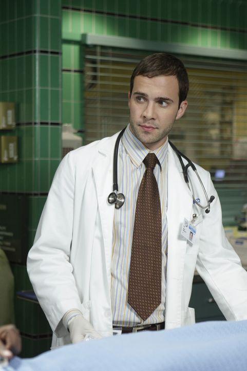 Ein stressiger Tag in der Notaufnahme: Dr. Paul Grady (Gil McKinney) gibt alles, um Leben zu retten ... - Bildquelle: Warner Bros. Television