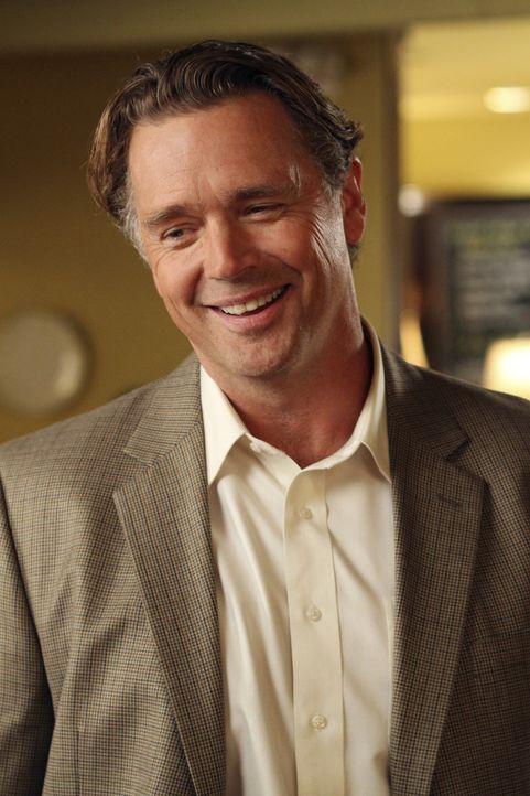 Während Tom möchte, dass Lynette vor ihren Freundinnen mehr mit ihm prahlt, nutzt Keiths Vater Richard (John Schneider), Brees Mitleid mit seiner Si... - Bildquelle: ABC Studios