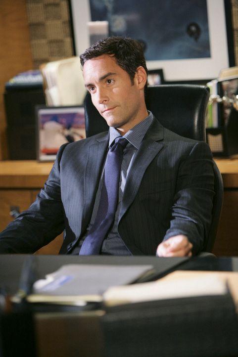 Durch Dr. Lockhart (Jay Harrington) zieht Naomi den Groll ihrer Kollegen auf sich ... - Bildquelle: ABC Studios
