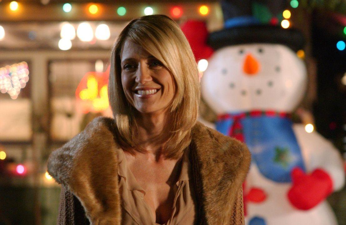 Trotz der ganzen Aufregung, findet das traditionelle Chrismukkah doch noch statt. Kirsten (Kelly Rowan) ist froh darüber ... - Bildquelle: Warner Bros. Television