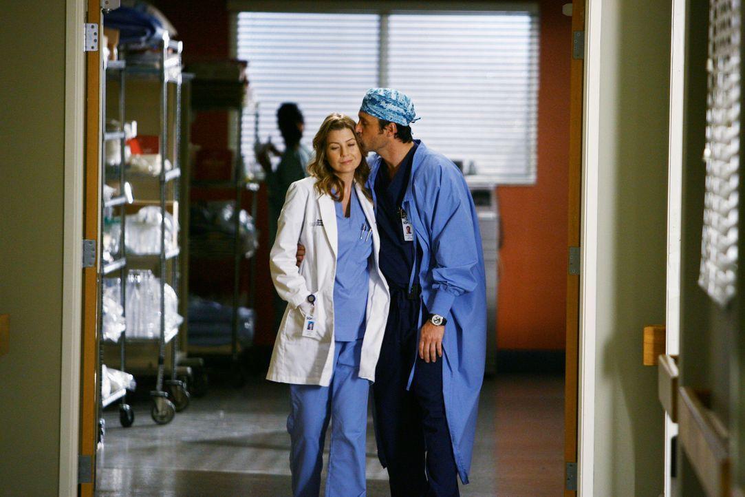 Nachdem Izzie in den Operationssaal geschoben wird, beschließen Meredith (Ellen Pompeo, l.) und Derek (Patrick Dempsey, r.) spontan, ganz schnell i... - Bildquelle: Touchstone Television
