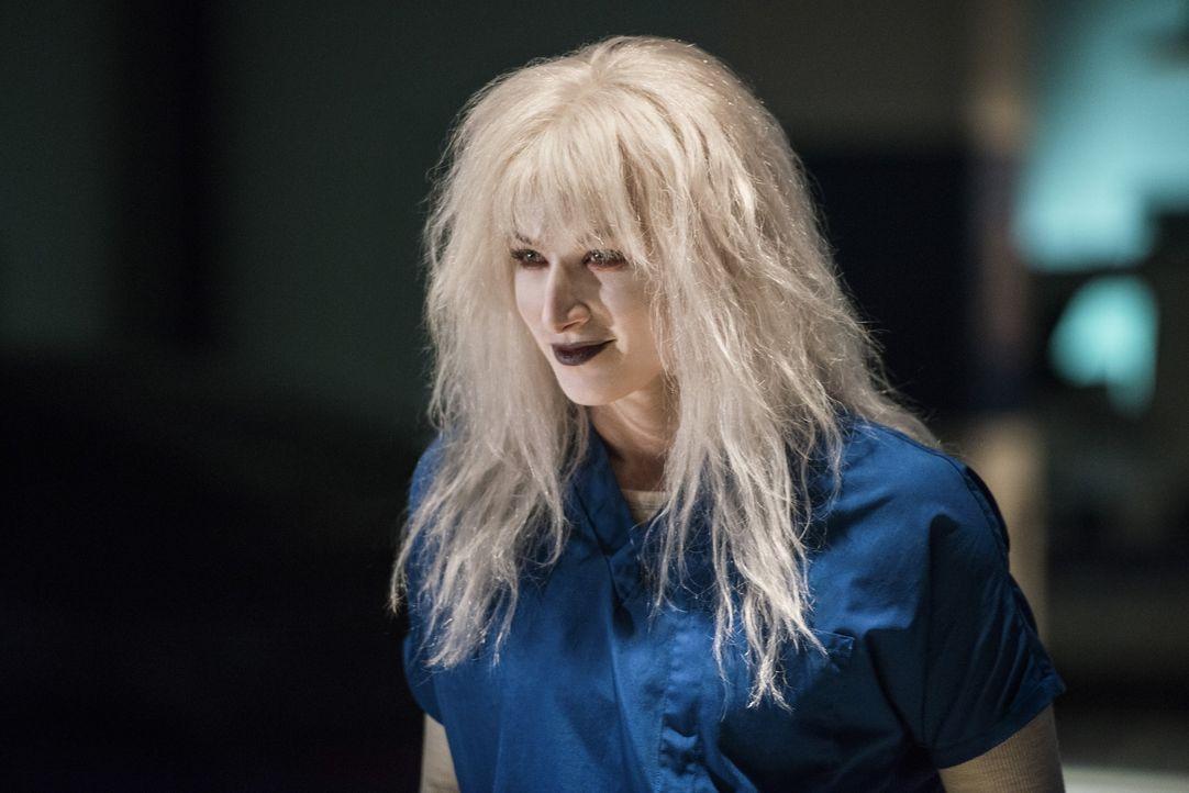 Livewire (Brit Morgan) bricht aus dem Gefängnis aus und will es mit Supergirl höchstpersönlich aufnehmen ... - Bildquelle: 2016 Warner Bros. Entertainment, Inc.