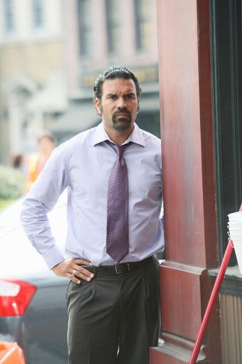 Während Lee ein Problem mit seiner Adoptivtochter Jenny hat, wird Mike misstrauisch, da Carlos (Ricardo Antonio Chavira) und Susan merkwürdig viel Z... - Bildquelle: ABC Studios