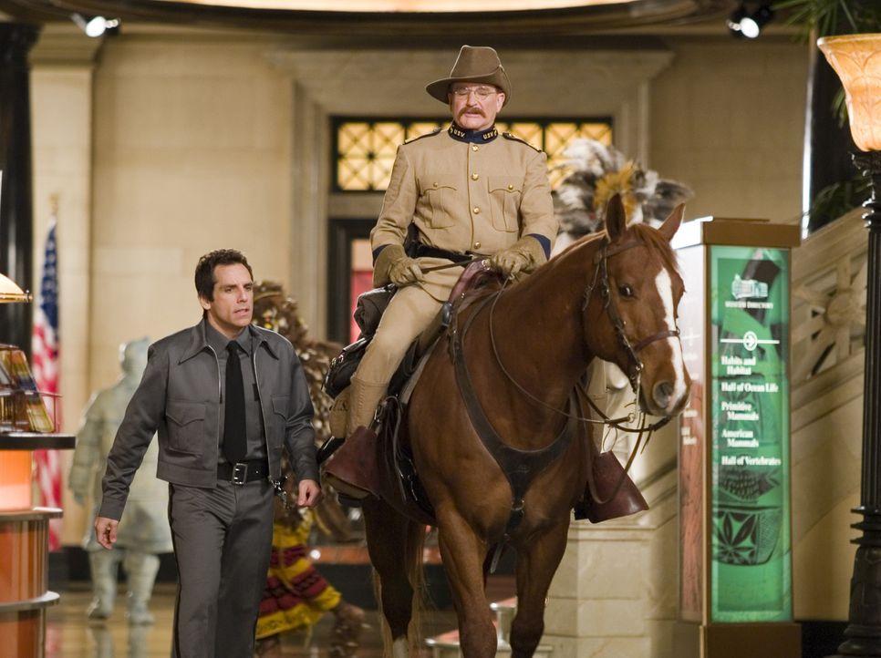 Larry Daley (Ben Stiller, l.); Teddy Roosevelt (Robin Williams, r.) - Bildquelle: 2006 Twentieth Century Fox Film Corporation. All rights reserved.