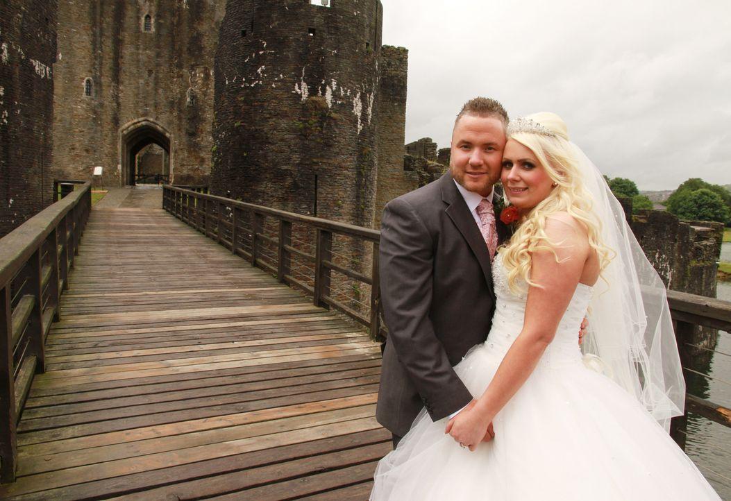 Wird Ben eine Hochzeit organisieren, mit der er seiner Braut Sarah den Atem rauben kann? - Bildquelle: Renegade Pictures Ltd