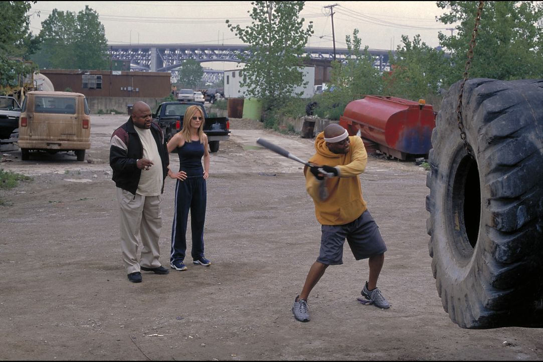 Niemand nimmt die zierliche Boxmanagerin Jackie Kallen (Meg Ryan, M.) ernst, weil sie nun einmal eine Frau ist. Das ändert sich jedoch schlagartig,... - Bildquelle: Paramount Pictures