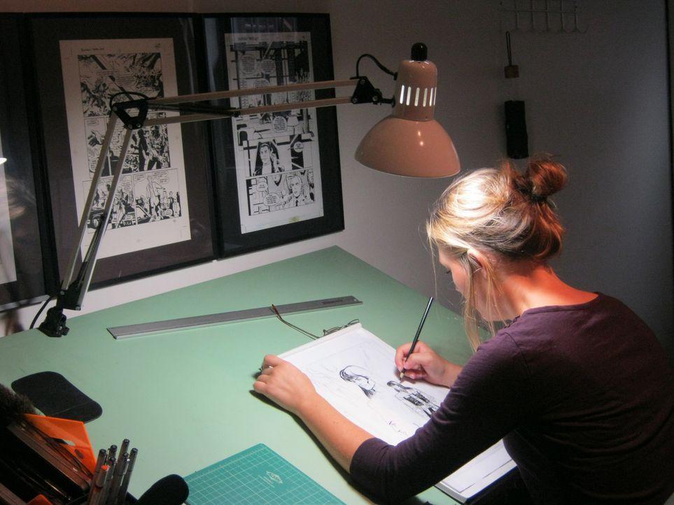 Colleen Doran (Darstellerin unbekannt) ist eine erfolgreiche Comicbuch-Autorin und Illustratorin. Sie hat jedoch einen gestörten Fan, der mehr von i... - Bildquelle: Kate Findlay-Shirras Atlas Media, 2011