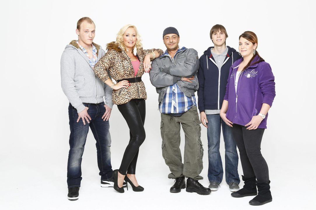 Eine ganz besondere Familie: Jeremy, Doro, Holger, Ronny und Sarafina Pruschke ... - Bildquelle: Bernd Jaworek SAT.1