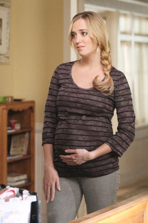 Während Lynette ihre erste sexuelle Erfahrung seit der Trennung von Tom hat, muss Susan feststellen, dass ihre Tochter Julie (Andrea Bowen) im sechs... - Bildquelle: ABC Studios
