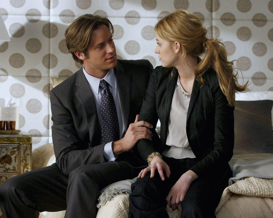Ihr Verhältnis zueinander wird immer komplizierter: Gabriel (Armie Hammer, l.) und Serena (Blake Lively, r.) ... - Bildquelle: Warner Brothers