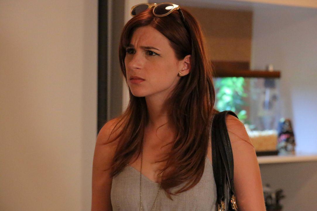 Gretchen (Aya Cash) muss einsehen, dass sie und Lindsey wirklich langsam erwachsen werden sollten ... - Bildquelle: TM &   2014 Fox and its related entities.  All rights reserved.