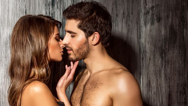 Wie kommt Frau am besten oral? Sicher nicht durch raspelnde Bartstoppeln – hi...