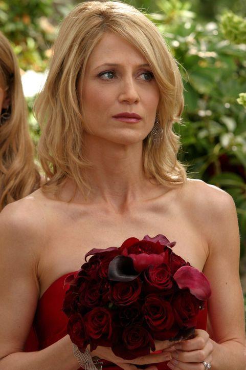 Calebs Unternehmen steht kurz vor dem Bankrott, doch weder Kirsten (Kelly Rowan) noch Julie ahnen etwas davon ... - Bildquelle: Warner Bros. Television