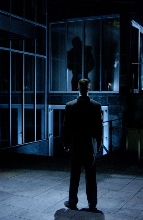 Das Böse ist immer und überall: Walker (Colin Ferguson) auf einsamen Feldzug ... - Bildquelle: CBS Studios International. All rights reserved.