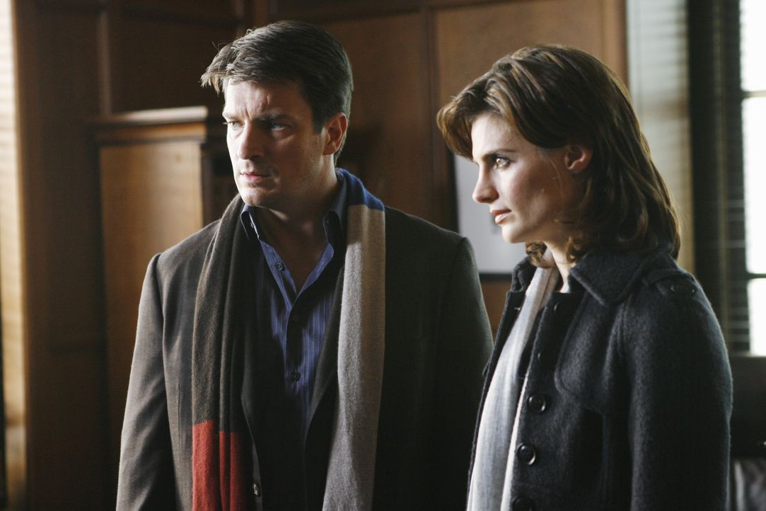 Castle (Nathan Fillion, l.) und Beckett (Stana Katic, r.) müssen erkennen, dass der ermordete Staatsanwalt Jack Buckley, der für seine hohen moralis... - Bildquelle: ABC Studios